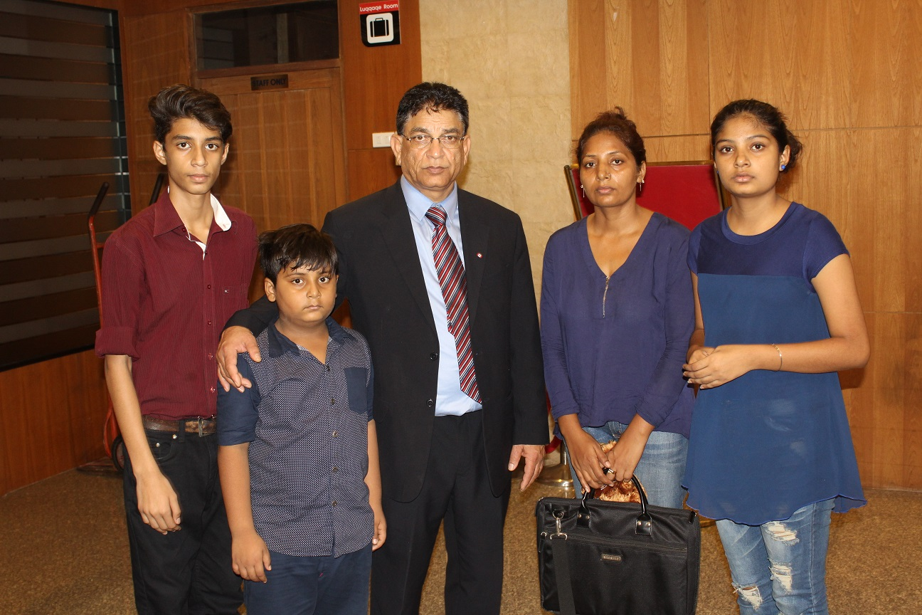 Faris family with ICV Chairman Peter Bhatti